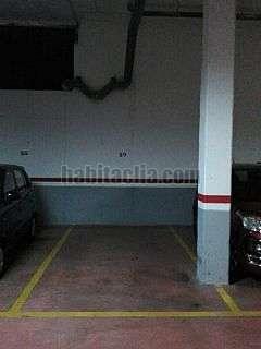 Parking coche en Josep tarradellas, 7. Buen acceso, puerta con mando. precio negociable.
