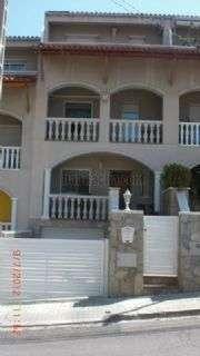 Casa pareada en Calle la pica d`estats,11. Zona muy tranquila