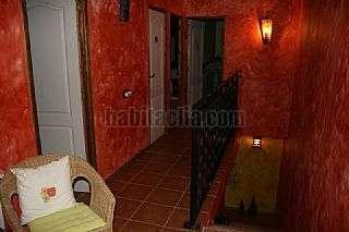 Casa adosada en Carrer raval de lleida,23. Casa muy bonita para entrar a vivir