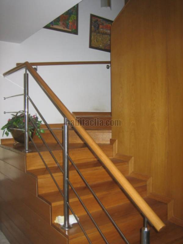 Casa por en fornells park unifamiliar todo en - Escalera de buhardilla ...