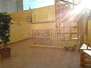Casa adosada en Carrer sant magi,16. C�ntrica casa grande con ascensor y pk  dos coch