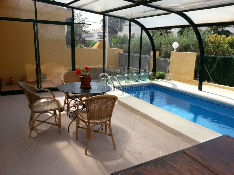 Casa pareada por en partida solaes con piscina for Piscinas para chalets