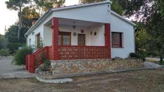 Villa in Carrer francesc cambó,81. Casa a 4 vientos