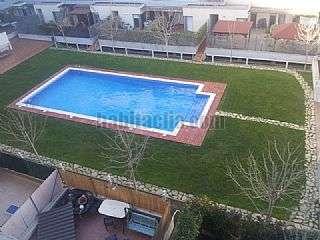 Alquiler �tico en Passeig vint-i-dos de juliol,887. Atico con piscina y terraza de 40 metros