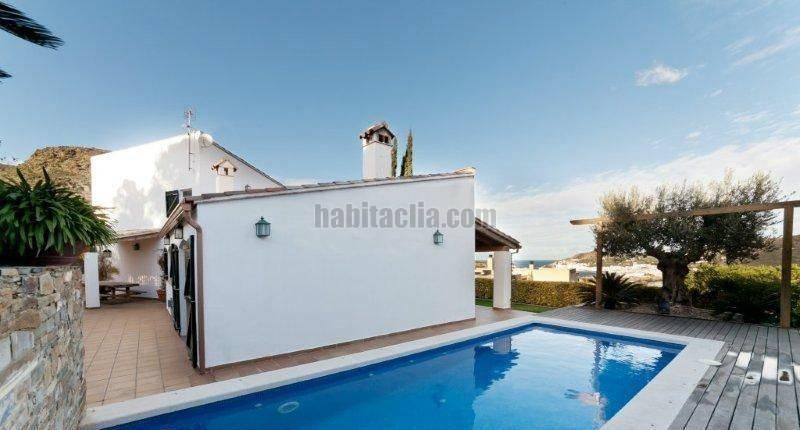 Torre por en les clotes increible casa dentro del for Apartamentos en torre del mar con piscina