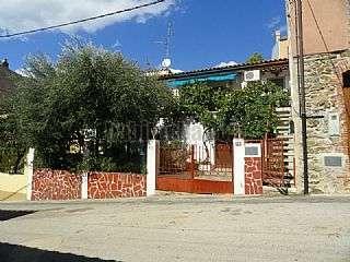 Casa en Carrer tramuntana,19. Casa de dos plantas con terraza y jardín