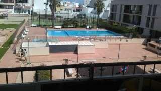 Flat in Carrer jeronia alzina,14. Bonito piso de 3 habitaciones con piscina