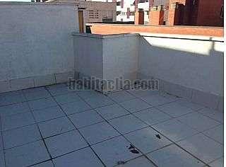 Alquiler �tico en Carrer viladrosa,110. Precioso atico de un solo ambiente con terraza