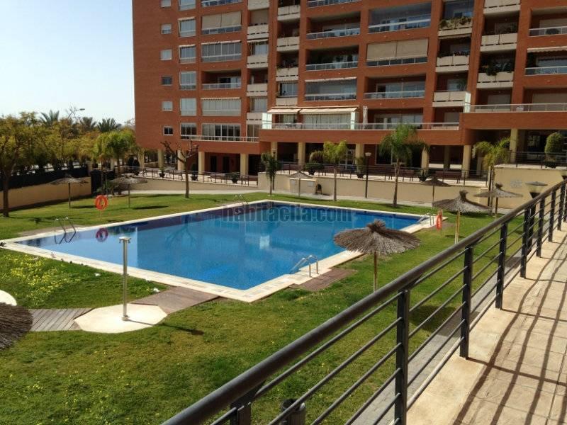 Alquiler piso por 800 en nadadora carmen soto for Alquiler garaje