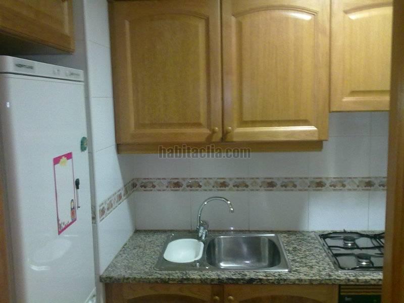 Alquiler piso por 400 en carrer doctor josep maria for Pisos alquiler vilaseca
