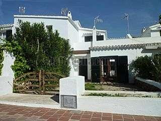Semi detached house in Carrer torre de s´aigua,21. Chalet adosado con terraza y patio