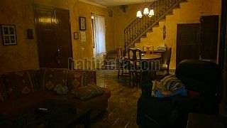 Alquiler Casa en Carrer roser, del,52. Alquilo casa consell 700 �