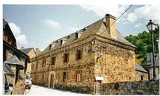 Casa en Carrer sant fabia,1. Mansión para la restauración. 450 m2.