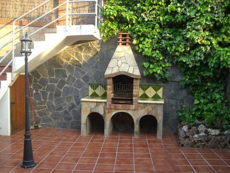 Casa adosada por en carrer raval de corbera en - Casa bloc sant andreu ...