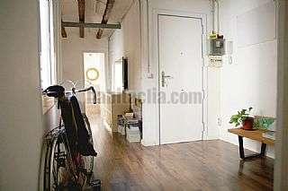 Alquiler Piso en Carrer ferlandina, 16. Bonito y acogedor piso de 65 m2 cercano al macba.