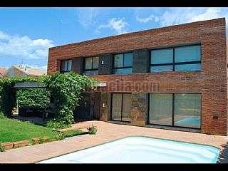 Casa en Av. dels pins., 19. Casa de diseño muy actual, de lujo