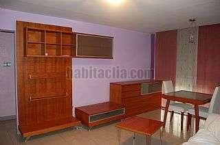 Alquiler Piso en Carrer rafael casanova, 3. Se alquila piso acogedor en sarria de ter.