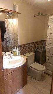 Alquiler Piso en Carrer aiguafreda, 16. Pis de 2 habitacions amb terrassa moblat