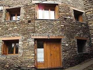 Casa a Les eres,. Casa rehabilitada a Tírvia. el poble més bonic.