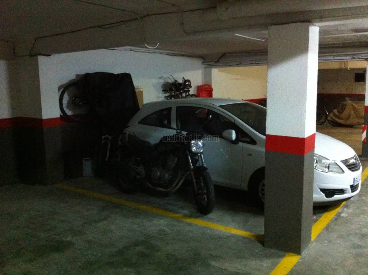 Alquiler parking coche por 60 en carrer enric granados d for Parking de coches