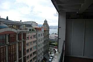 �tico en Calle oporto, 5. Areal, renfe, nautico