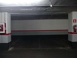Alquiler Parking coche en Carrer sant marian, 113. Parking en el centro plaza nova,cerca autpis.y fgc