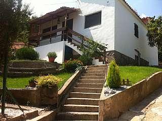 Casa en Carrer josep carner, 17. Casa reformada recientemente para entrar a vivir!