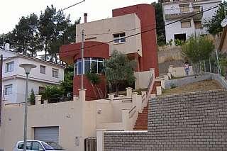 Alquiler Casa en Avd. de  nuria  (urb. can pi),, 73. Casa de dise�o especial, confortable y amplia