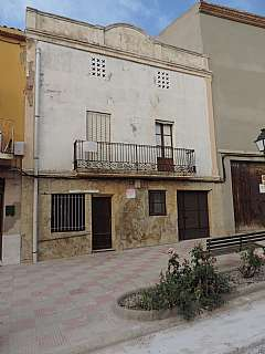 Casa en C/ major, 6. Casa de pueblo