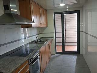 Alquiler Piso en Carretera vic, 187. Piso, parking y gastos comunidad: 600 euros/mes