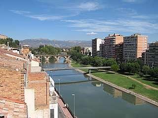 Piso en Carrer d. �tico grande y soleado, con vistas al rio segre.