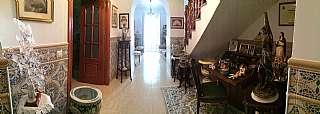 Casa adosada en Calle merced, 6. Magnifica casa familiar totalmente reformada