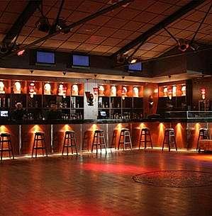 Alquiler Discoteca en Bocaccio, 55. Se alquila discoteca