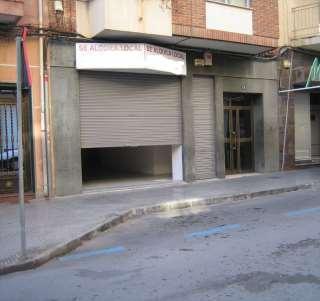 Lloguer Local Comercial a Calle luis galiana, 10. Local  de 125 m. céntrico, reformado y luminoso