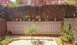 Dúplex  Carrer victoria kent (de), 3. Casa dúplex parellada (110m) amb jardí i pàrquing