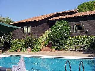 Casa en Calle ermita de alcolea, 2. Casa en gran parcela urbanizaci�n santo domingo