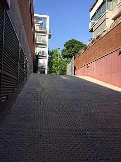 Alquiler Parking coche en Carrer caterina albert, 25. Alquiler plaza de parking. les fonts terrassa
