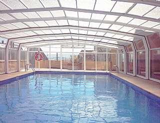 Alquiler Apartamento en Calle rego de foz, 2. Apartamento con piscina y garaje a 50mts de playa