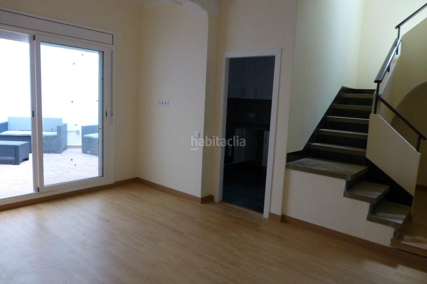 Alquiler casa por en zona vilapiscina en vilapicina for Pisos alquiler vilapicina
