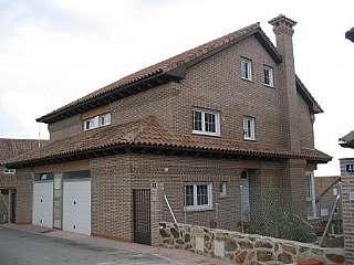 Alquiler Casa pareada en Calle lobera (la), 46. Chalet 256 m2. 3 hab+buhar 43m2+sotano/garaje 70m2