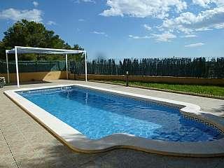 Casa en Carrer via lactea, 43. Casa de obra vista. todo exterior y con piscina