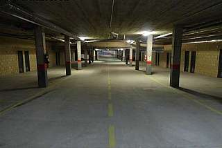 Parking coche en Carrer font canaleta, sn. Parking resort alp2500 la molina