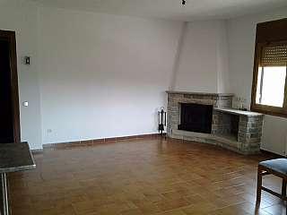 Alquiler Casa adosada en Cami can ribas, s/n. Vivienda en buena zona