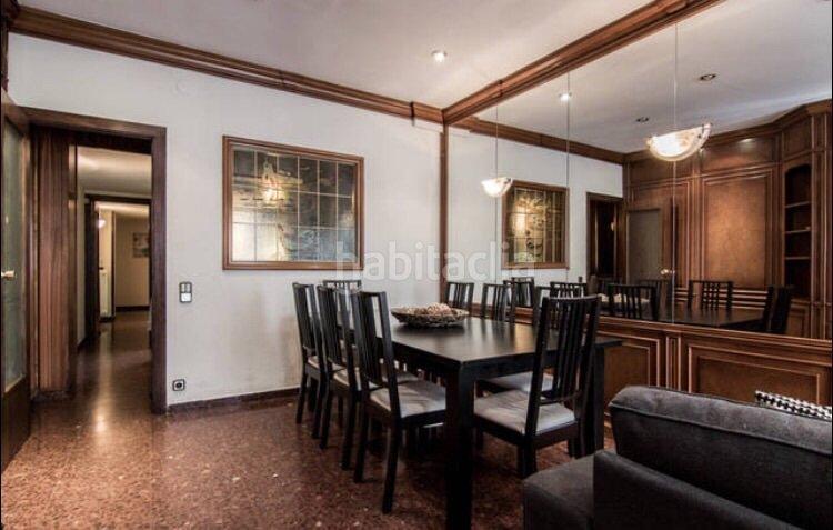 Alquiler piso por en carrer sardenya espacioso con 3 habitaciones en sagrada fam lia - Piso alquiler sagrada familia ...