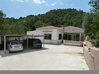 House in Partida el montot, pol19, parc 34, s/n. Chalet en paraje natural