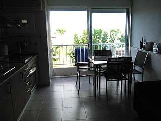 Alquiler Apartamento en Carrer joaquim serra (de), sn. Loft totalmente reformado