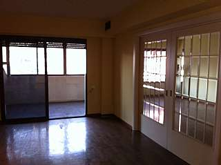 Alquiler Piso en Avda. primado reig, s/n. Es un 7� piso todo exterior