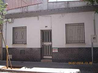 Alquiler Casa en Carrer canig�, 34. Casa adosada situada en pleno centro del pueblo