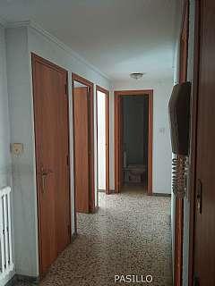 Piso en Calle tobazo, 3. Piso en buena zona bien comunicado.3 hab+ ascensor