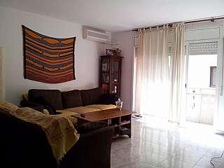 Alquiler Piso en Carrer pare mariano, s/n. Piso seminuevo centrico, zona tranquila